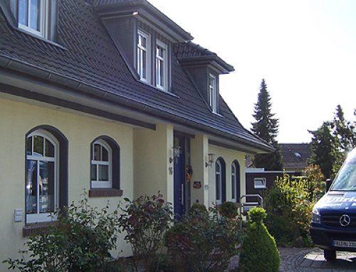 NB, Einfamilienhaus mit Mansarddach