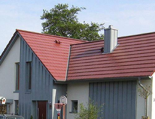 Fassade mit Holzverkleidung